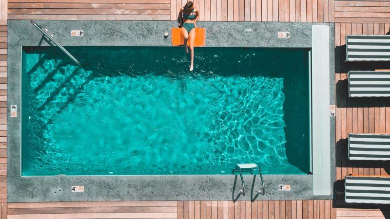 Comment réduire les frais d'entretien d'une piscine ?
