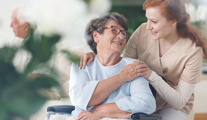 Comment trouver une auxiliaire de vie à domicile ?
