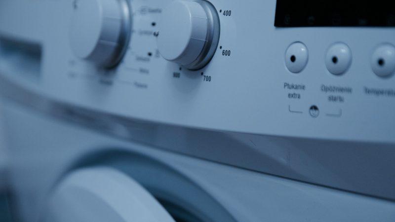 Comment laver et entretenir le plus longtemps possible les vêtements de ses enfants ?